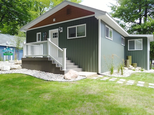Birch - Grace Landing Cottages With Stunning Sunsets Over Hamlin Lake