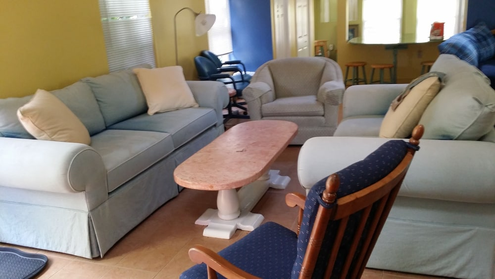 Living Room, Cottage House Retreat Close To Beaches & Great Adventure