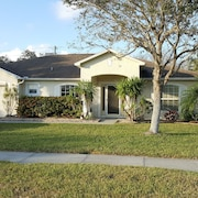 Beautiful and Comfortable!! - 4 Bedroom 2 Bathroom Pool Home -