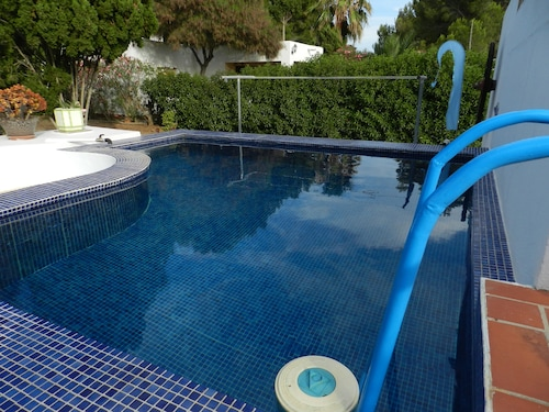 Home With Pool in Las Salinas,