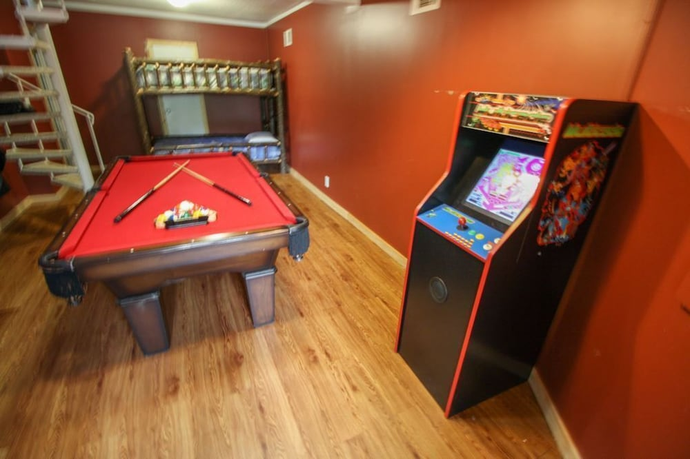 Game Room, Mount Beautiful - 4 Br Cabin