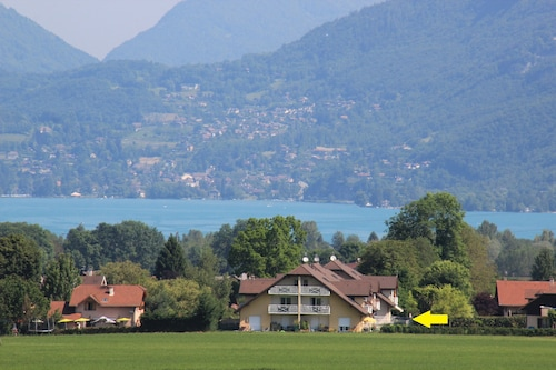 Bright Apartment 87 m2 Close to Lake Annecy