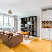 One Bedroom Flat Chiswick by River With Parking