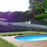 A Beautiful Mountain Home With Private Pool, Lawn Five Minutes From the Beach,