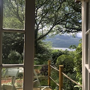Coedmor Barn, Romantic Cottage in Snowdonia National Park. Stay in the Woodland's Heart!