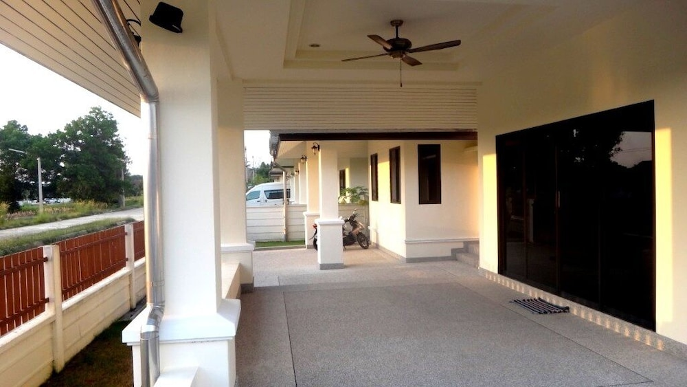 , Stylish AND Exclusive House IN Quiet Area