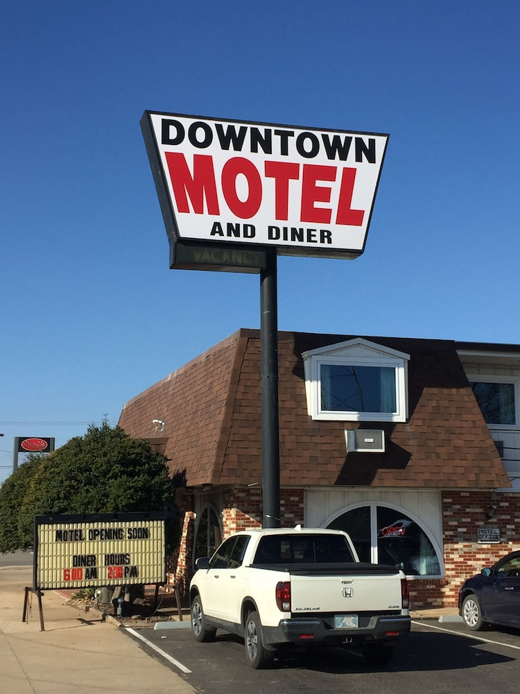 Exterior, Downtown Motel