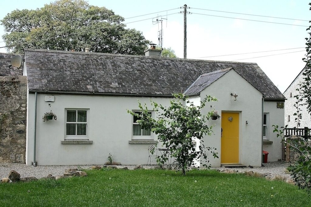 Featured Image, The Pump House - Cosy Farm Cottage