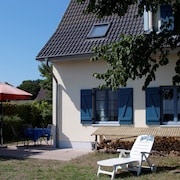 Family Friendly House, View of the Lagoon, Fireplace, Beach 450m, Free Wi-fi