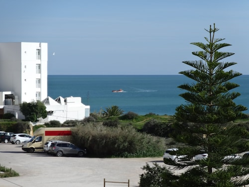 Top Maintained and Well-equipped Apartment Located on a Gorgeous Beach