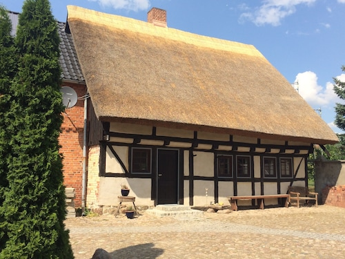 Complete House-family-friendly-rural Idyll-ecological. Renovated mud House / Thatched Roof