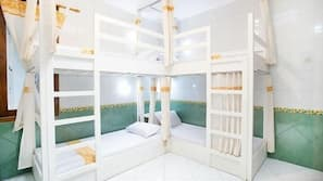 4 bedrooms, Egyptian cotton sheets, premium bedding, down duvet