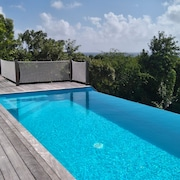 Beautiful Villa Typical of sea Antilles Caribbean / Infinity Pool