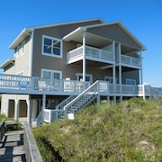 Bring the Whole Family! Large Open Floor Plan Oceanfront Home~pet Friendly, too