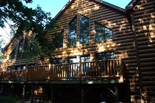 Highest-rated Luxury Cabin in Most Secluded Area of Resort!