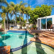 Private Pool, Spa, Outdoor Kitchen, 5 Minutes to Village, Track, & Torrey Pines!