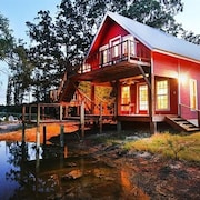 Wonderful 13 Acre East Texas Getaway Near Canton on 3 Stocked Ponds!
