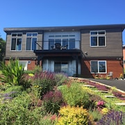 850 sq ft Studio in the Heart of Port Townsend