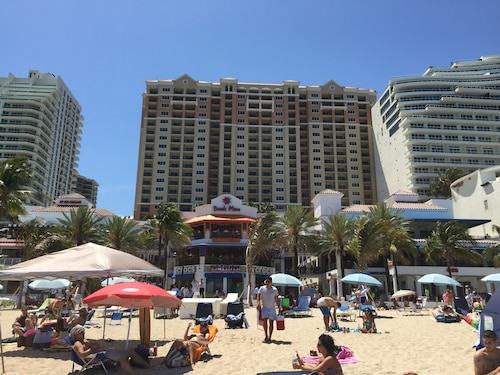 Marriott Beachplace Towers 1 Bedroom Sleeps 4 With Full Kitchen Available Februa