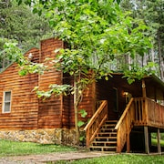 Cabins Close to the Gore With hot tub -$135 per Night - Sleeps 6