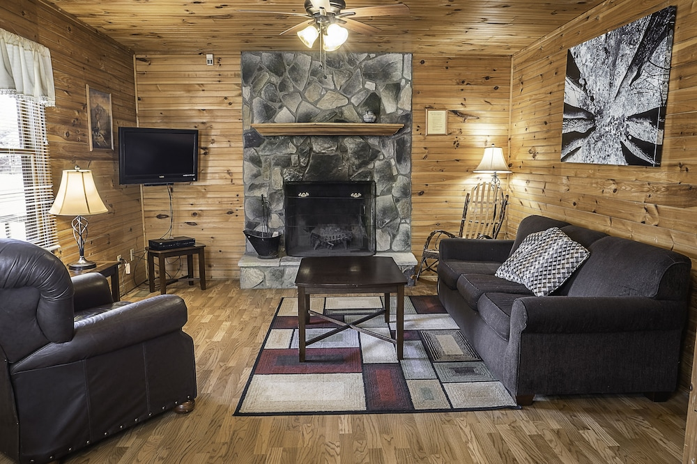 Cabins Close To The New River Gorge With Hot Tub And