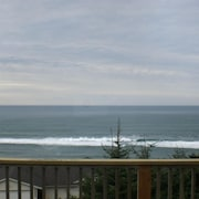Full Ocean View & Beach Access Near Pacificcity/neskowin/lincoln City; Sleeps11+
