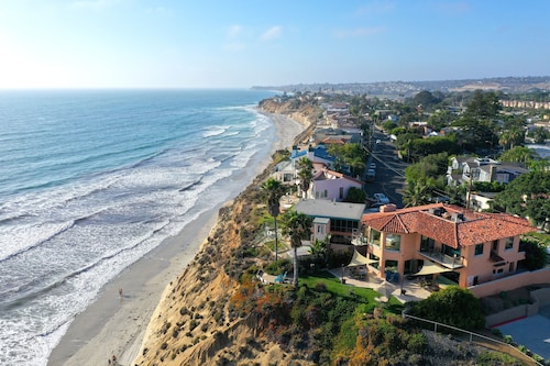 Gorgeous Oceanfront Beach House, Walk to Beach, DEL MAR / Solana Beach