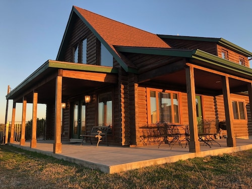 The Log Home At Lighthouse Hill Ranch - 2,001 Acre Ranch