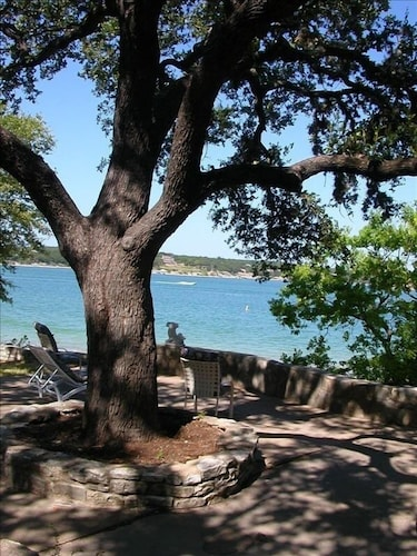 Sunset Cabin, House & Cottage on Lake Travis Rates as low as $185