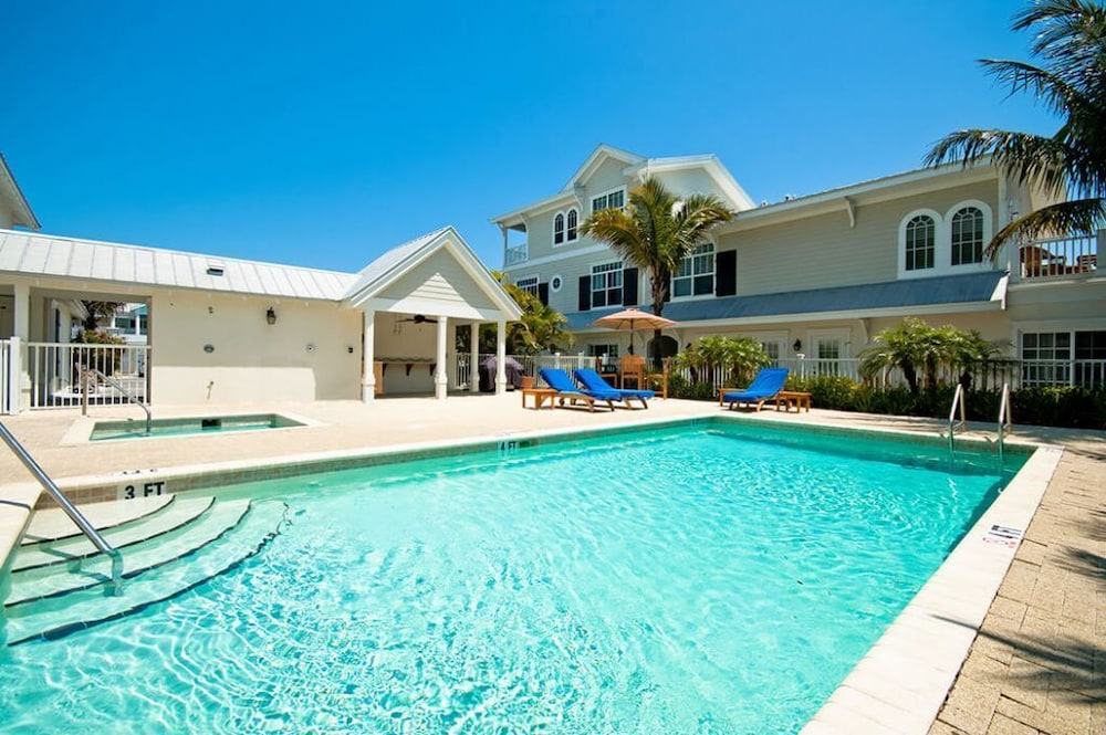 Pool, Mainsail Beach Inn 2 Bedroom