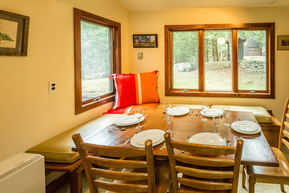 Private Kitchen, Woodland Sanctuary, Giant Mountain Views, Convenient Location near High Peaks