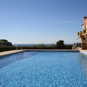 Beach House in Ericeira - A Paradise BY THE SEA Special Winter Price