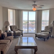 Barefoot Resort North Tower Unit 903! 3br/ Amazing Waterway Views! Golf and Shopping