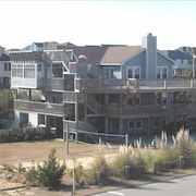 Schooner Ridge Ocean Side/view 8 Br/8 1/2 BA #124783, Duck, NC