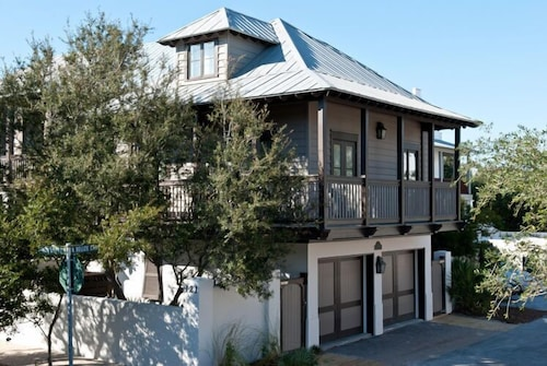 The Green Door Carriage,30a Cottages,steps to Coquina Pool & Beach,2 Bikes, August Discounts Avail!
