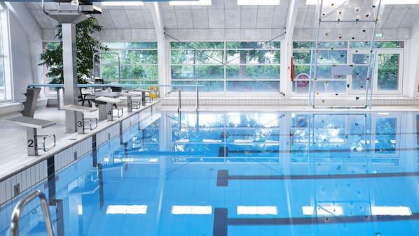 2 indendørs pools