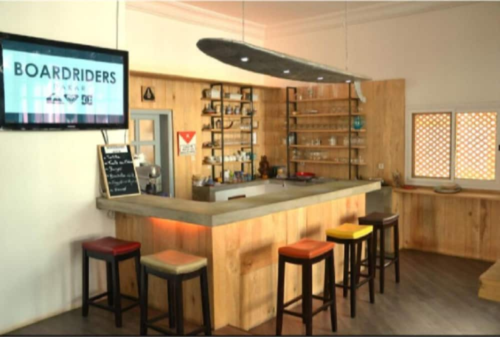 Bar, Quiksilver Boardriders Surf Camp - Hostel