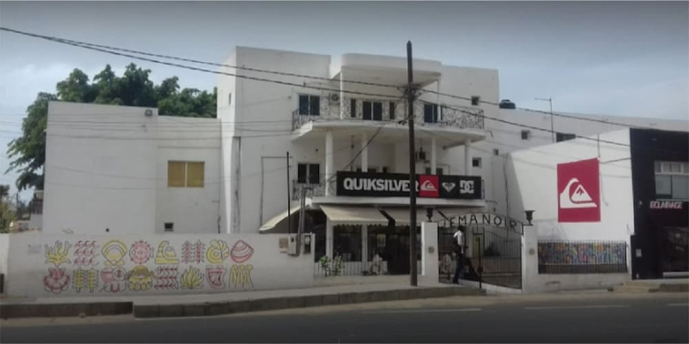 Front of Property, Quiksilver Boardriders Surf Camp - Hostel