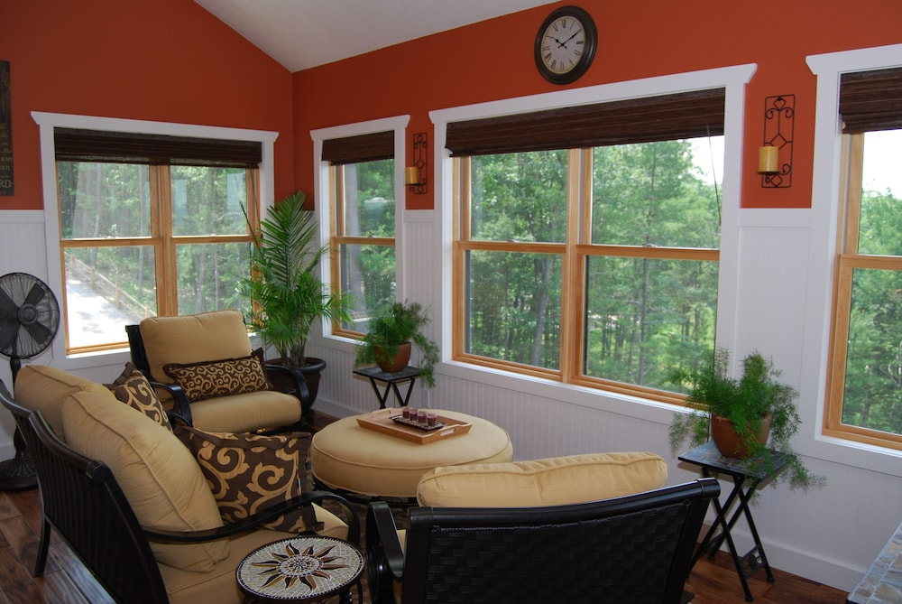 , 4200 Sq. Ft. ~ Great For Family/group Vacations! Amazing Views! $270+ per Night