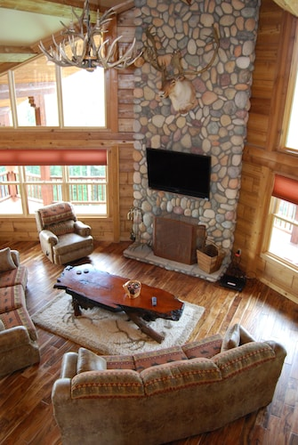 Living Room, 4200 Sq. Ft. ~ Great For Family/group Vacations! Amazing Views! $270+ per Night