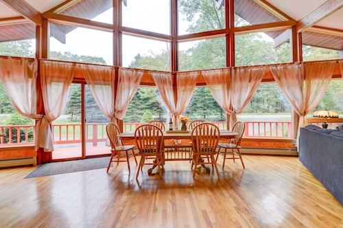 Amazing Pocono Chalet! Private Pool/sauna/firepit