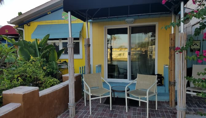 Pet Friendly Cozy Cottage Steps From The Sand In St Petersburg Clearwater Fl Expedia