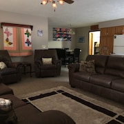 Rivercliff White River Lodge 3bedr 2 Bath PVT Dock/bbq Ramp Wifi Sleeps 12