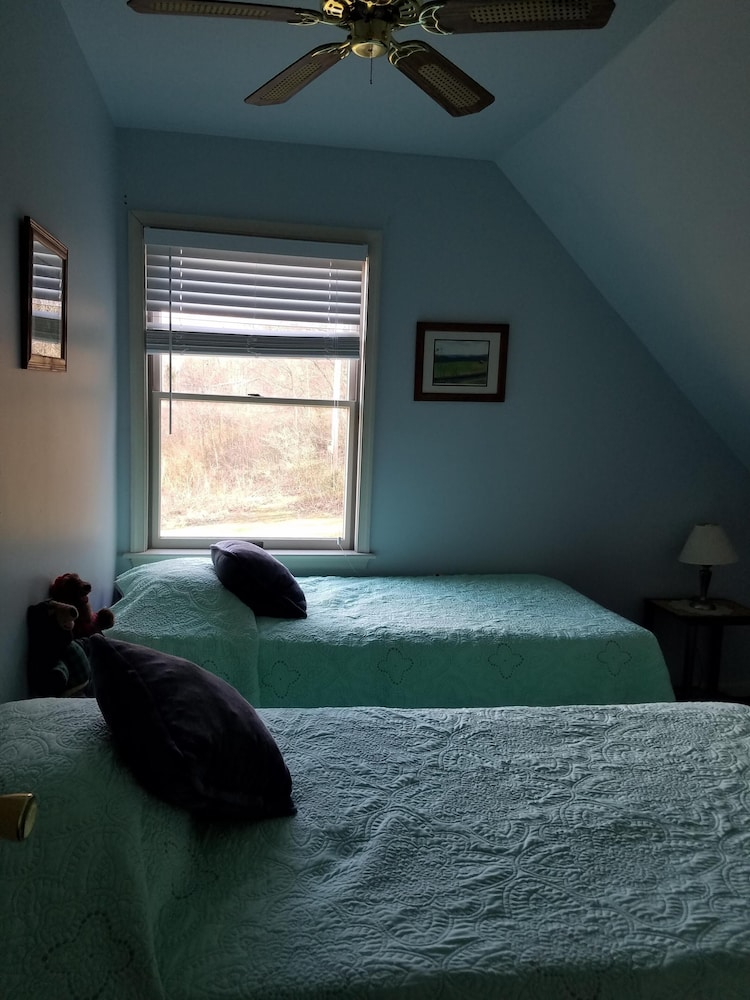 Room, Come ON Out! Beautiful Private Home Located ON THE Legendary Shenandoah River!
