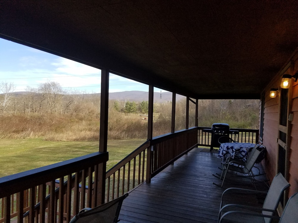 Balcony, Come ON Out! Beautiful Private Home Located ON THE Legendary Shenandoah River!