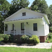 3 Bedroom Family Cottage in Ayden, NC Easy Drive To Greenville Pitt Count Area