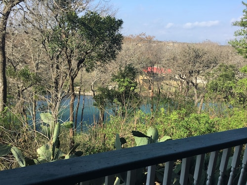 Beautiful Condo on the Guadalupe River Right in the Heart of Historic Gruene