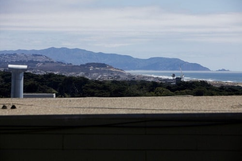 Amazing Ocean Views in Sutro Heights