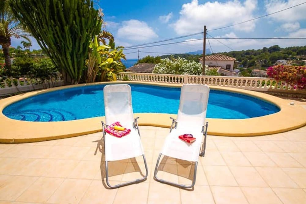 Sea View, Swimming Pool and Walk to the Beach: 2019 Room Prices ...
