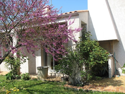 Lovely Detached and Quiet House 5 min From the Beaches of La Rochelle